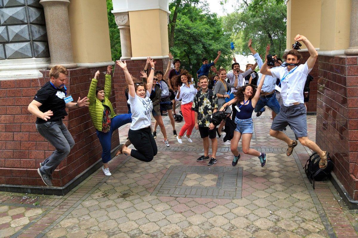 ВГУЭС организовал экскурсии по Владивостоку для участников ASEF