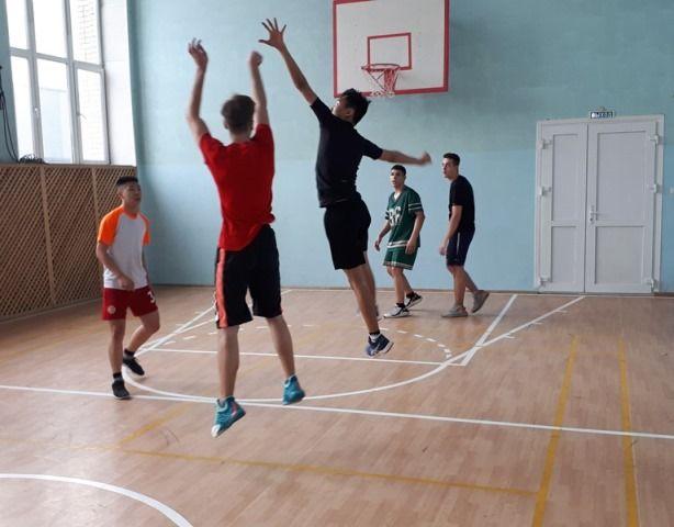 Первенство филиала ВГУЭС в г. Уссурийске по стритболу.