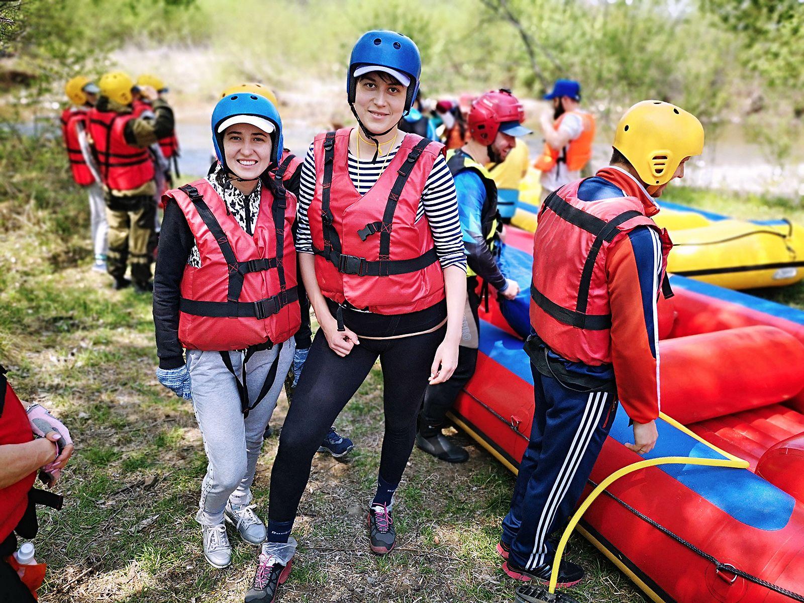 ВГУЭС осваивает рафтинг: коллективный сплав по реке Партизанской