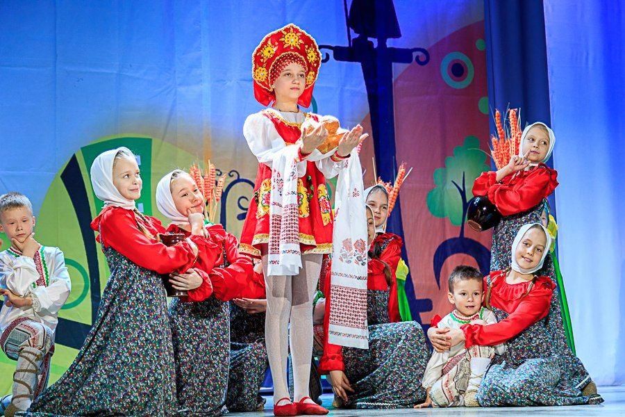 Во ВГУЭС прошёл региональный фестиваль детского и молодёжного творчества «Folk city festival 2016»
