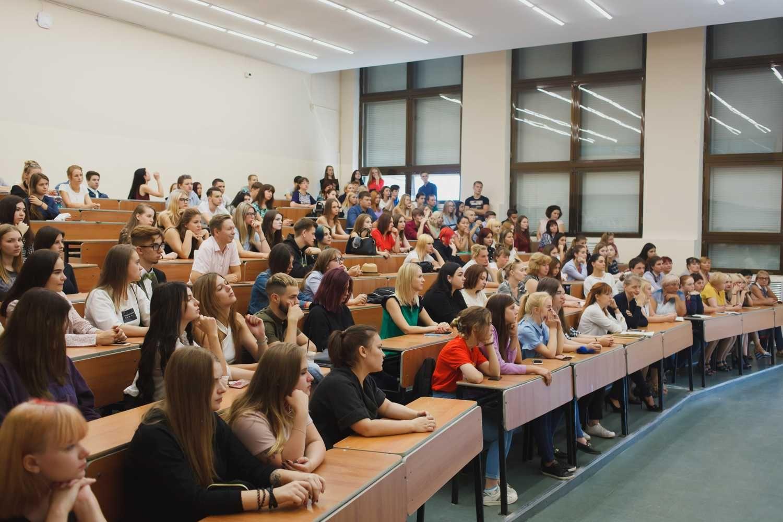 Собрание первокурсников в день знаний