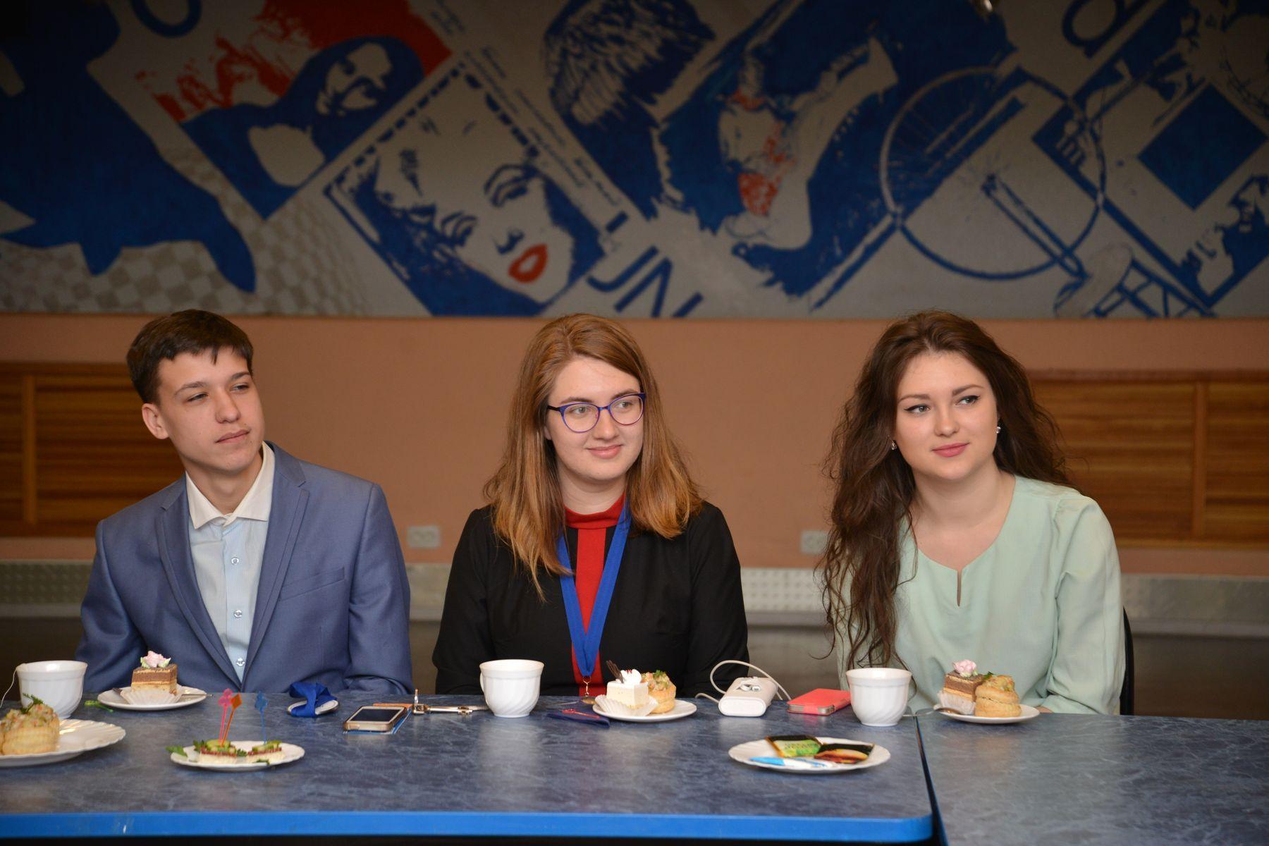 Лучшие студенты ВГУЭС встретились с ректором и президентом университета