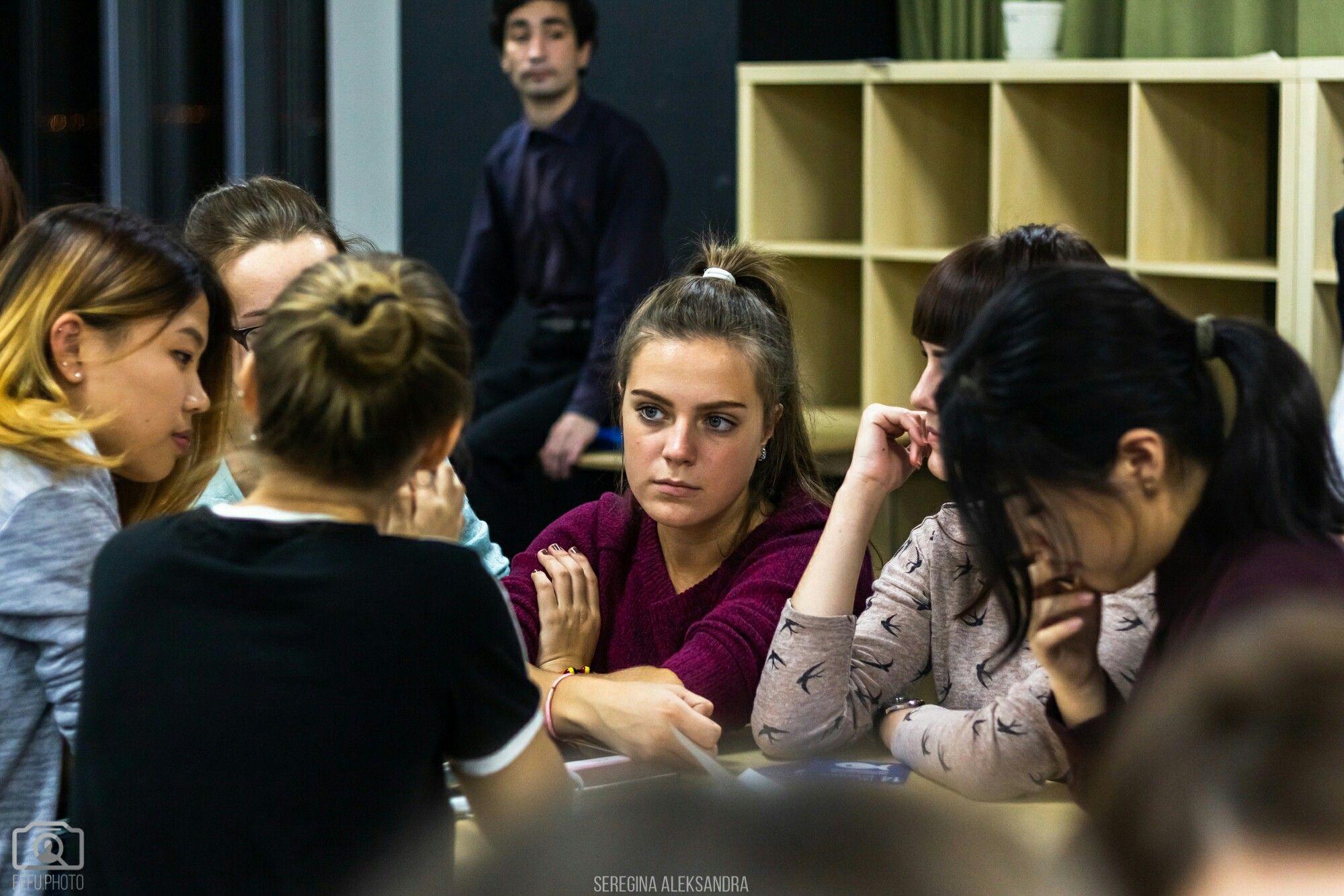 Студенты ВГУЭС показали высокие результаты в интеллектуальной игре «Модель ООН»