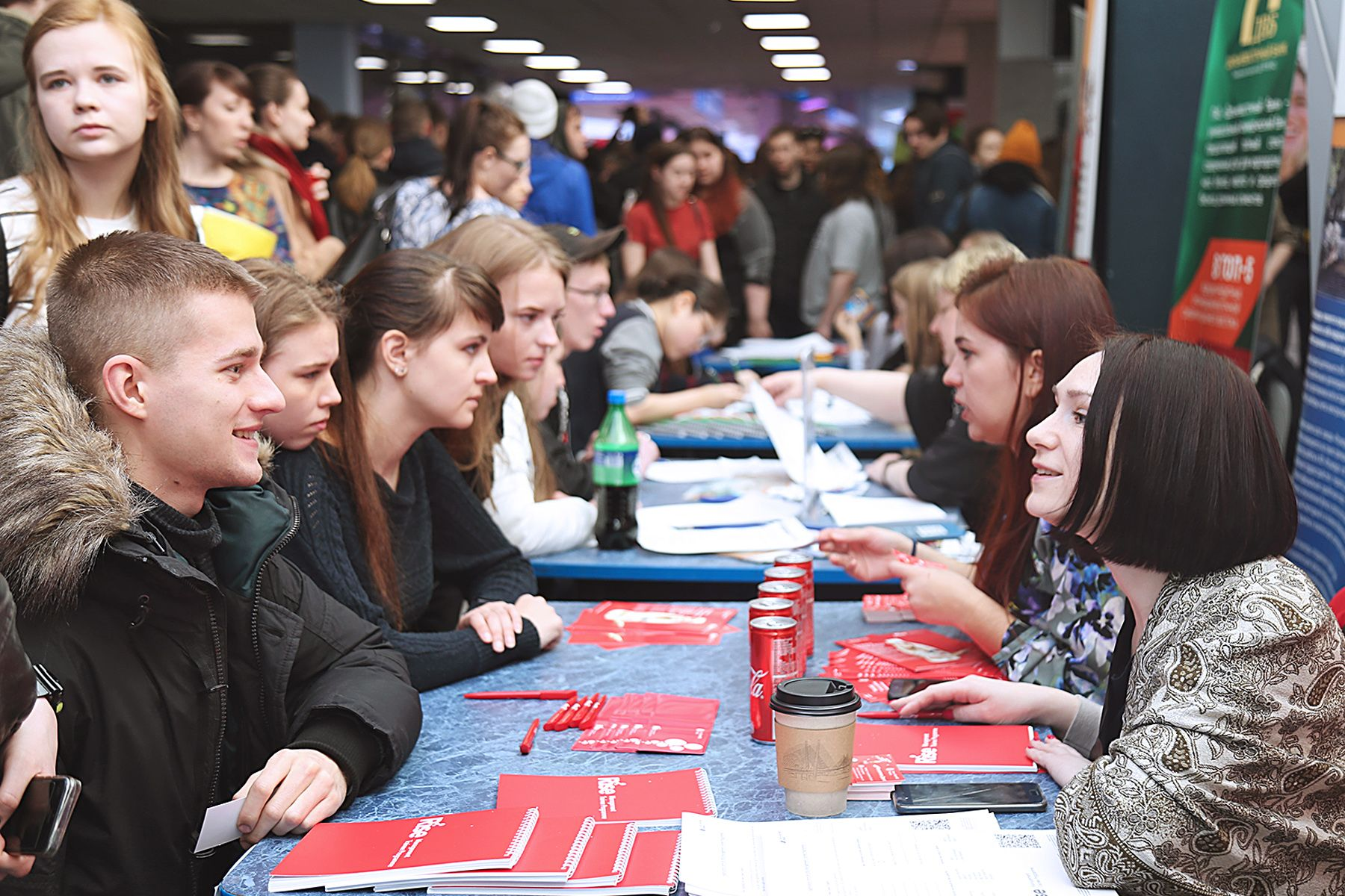 Сотни вакансий и безграничные возможности карьерного роста предложили студентам ВГУЭС крупнейшие дальневосточные компании